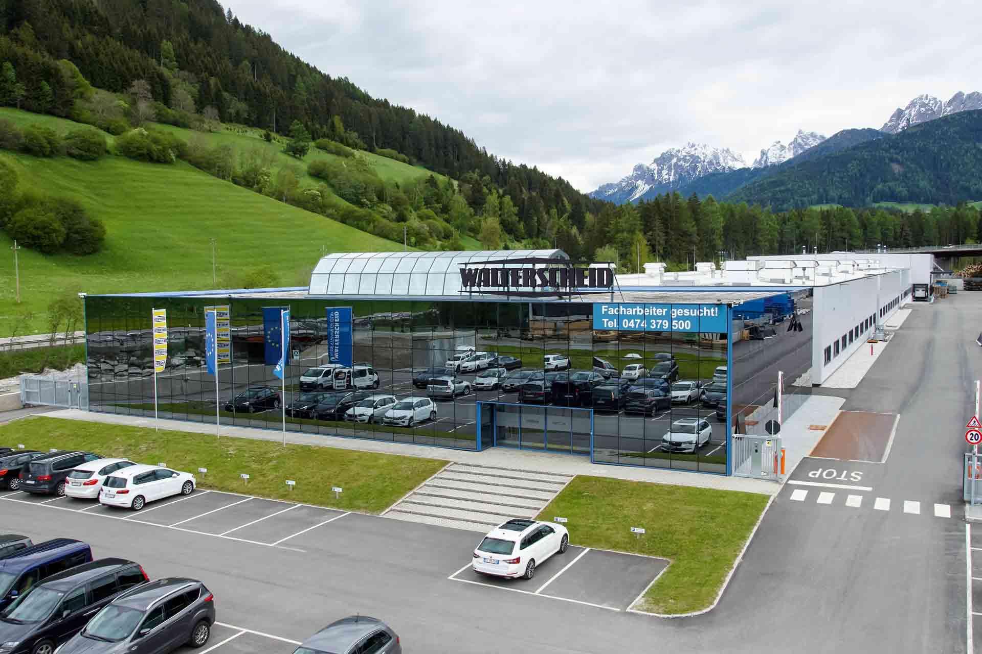 Ein neues Werk in Südtirol: In Welsberg eröffnet Walterscheid 2019 eine moderne Produktion von Doppelgelenkwellen.