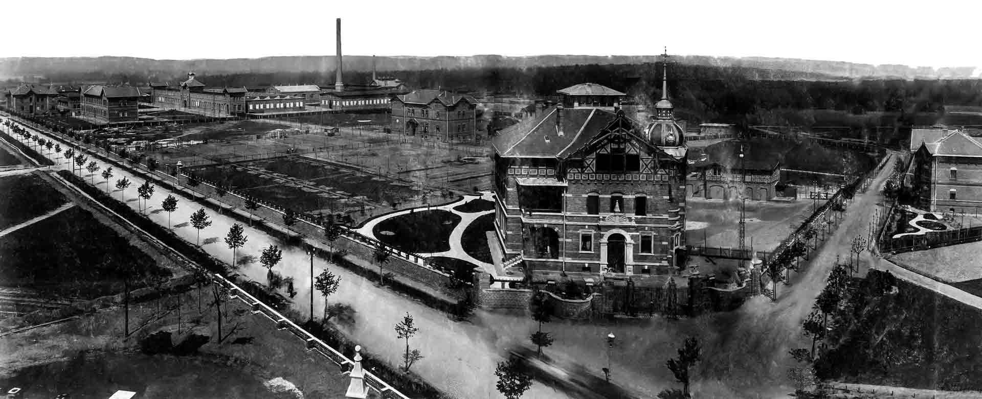 Die Königlichen Werke beschäftigten tausende Arbeitskräfte. Nach der Schließung des Preu- ßisch-Königlichen Feuerwerks- Laboratoriums 1919 verliert auch Jean Walterscheid seine Arbeit.