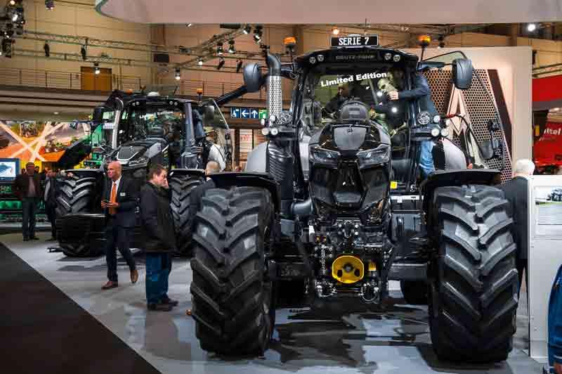 Größer, breiter, leistungsstärker: Messen wie die Agritechnica zeigen die Entwicklungen in der Landtechnik.